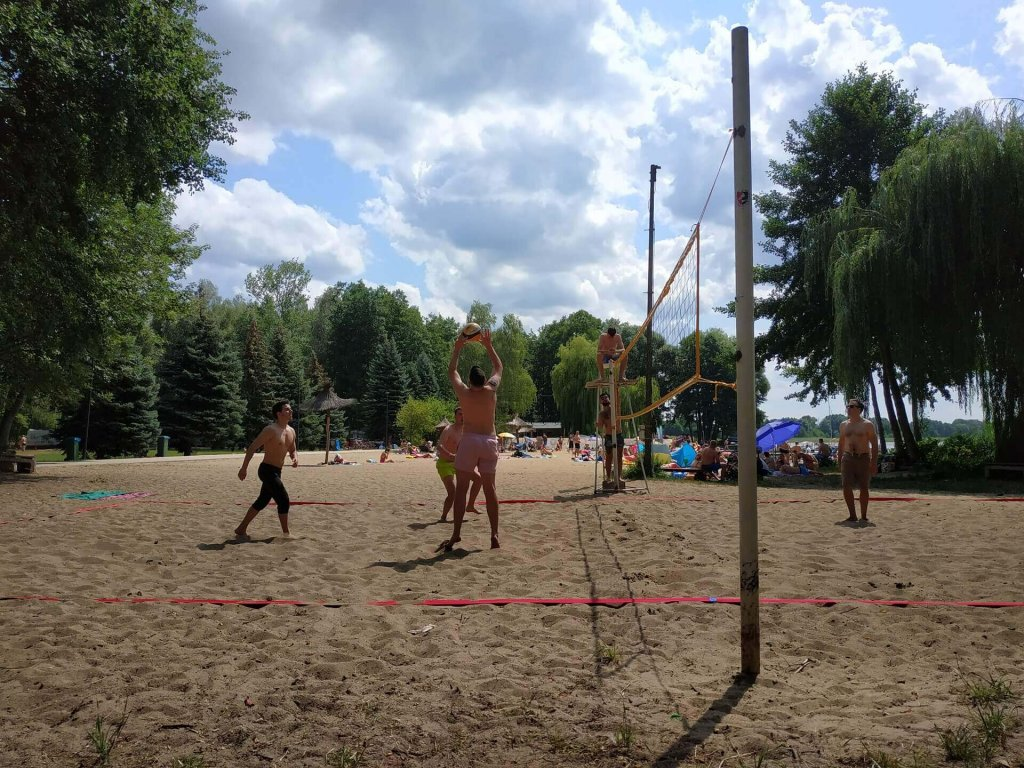 Studio Software Team playing volleyball